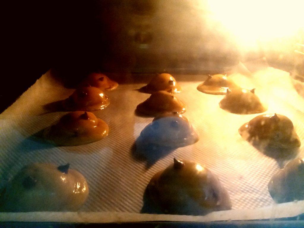 horneando cookies