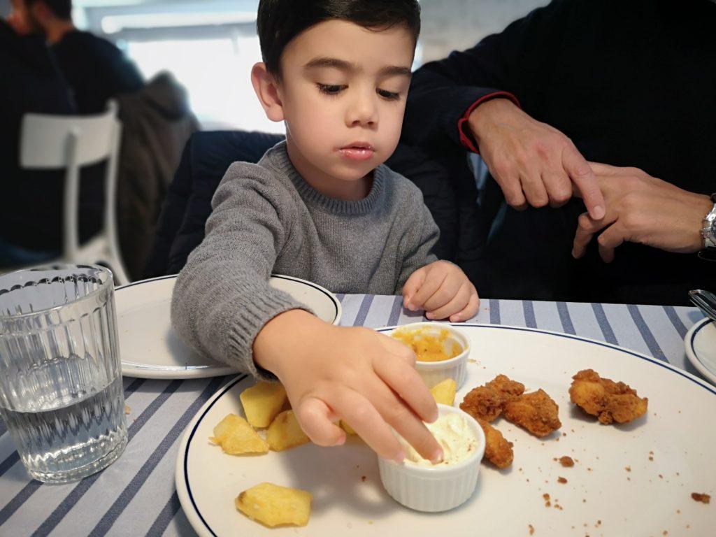 Fritos de cazón, planes con niños en Santander