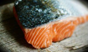 Limpiar el salmón